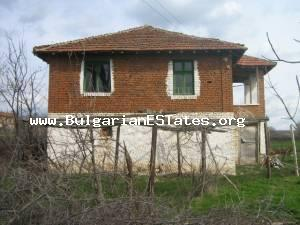 House for sale located at the Bulgarian countryside at the village of Sitovo.