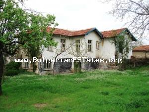 Rural house for sale located at the beautiful Bulgarian countryside at the village of Cherna Mogila.