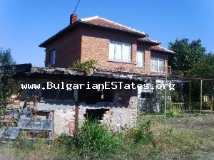 An attractive and peaceful country house with great potential in Yambol Region.