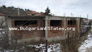 Chance for great investment–unfinished building for sale located at the town of Topolgrad.
