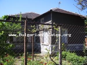 Nice cheap rural house for sale located at the very well-developed village of Nova Nadejda.