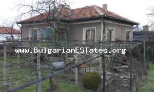 A cheap house for sale located at a hamlet in Sakar Mountain.