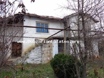 Rural house for sale is located in a quiet privet place in the village of Dobroselets, Bulgaria.