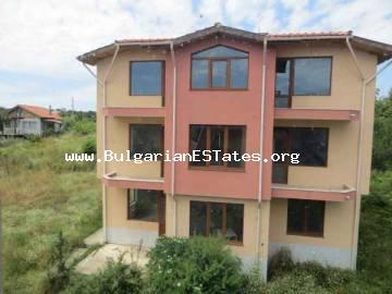 House for sale in Bulgaria. We would like to bring to your attention new three-storey house for sale – family hotel – in the village of Velika, only 3 km from the seaside resort of Lozenets and the sea.
