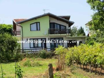 Bulgarian properties for sale.Two-storey house for sale is located in the village of Velika, 3 km from Lozenets and the sea.
