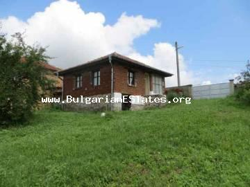 Wondefrul rural house for sale with TOP LOCATION - Mountains, sea, scenery, fresh air and tranquility - this is the village Yasna Polyana, Primorsko, Bourgas.