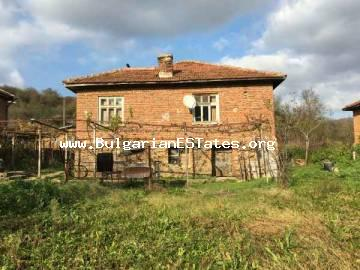 House with wonderful views in the village of Kosti, 25 km from the sea and Tsarevo only for 17,000 Euro is for sale