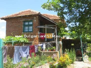 We offer for sale a cheap two-storey house in the village of Draka, only 40 km from the sea and the city of Burgas.
