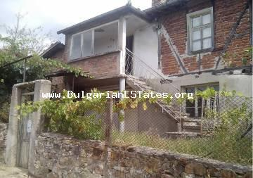 A house for sale in the village of Brodilovo, 10 km away from the sea and 12 km from the town of Tsarevo for the sum 18,999 EUR