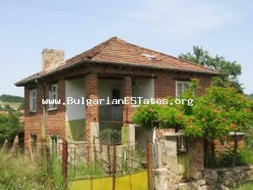 House for sale on two floors is located in a peaceful and beautiful village with traditions. Fakia , Burgas property