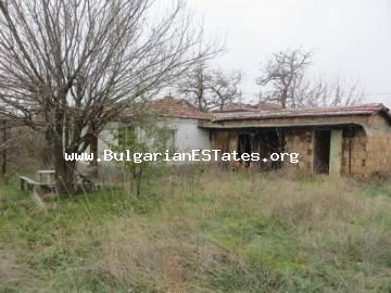 Affordable house is for sale in Rudnik area, just 9 km from the sea and the city of Burgas.