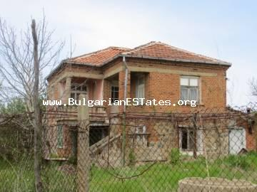 For sale is offered an affordable house in the village of Momina Tsarkva just 55 km from the sea and the city of Bourgas.