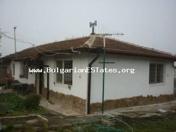 We offer for sale a house in the village of Drachevo, 25 km away from the city of Bourgas and the sea.