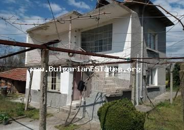 For sale is a two-storey house in the village of Zlatinitsa, only 15 km from the town of Elhovo and 75 km from the city of Bourgas and the sea.