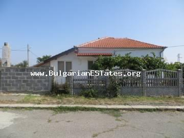 We offer for sale one-storey renovated house in the center of the village of Mirolyubovo, 14 km away from the city of Burgas.