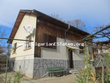 Two-storey house is offered for sale in the village of Goritsa, only 25 km from Sunny Beach resort and 40 km from the city of Burgas.