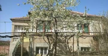 Two-storey house is offered for sale in the village of Goritsa, only 25 km from Sunny Beach resort and 40 km from the city of Bourgas.