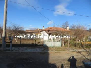For sale is a one-storey renovated house in the village of Gilyovtsa, 14 km from Sunny Beach and 25 km from Bourgas.