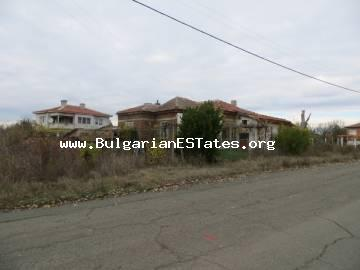 Two houses are offered for sale for an affordable price in the village of Asparukhovo, 27 km from the city of Bourgas and the sea.