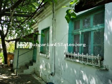 Affordable old house is for sale in the village of Konstantinovo, just 10 km from the city of Burgas and the sea.
