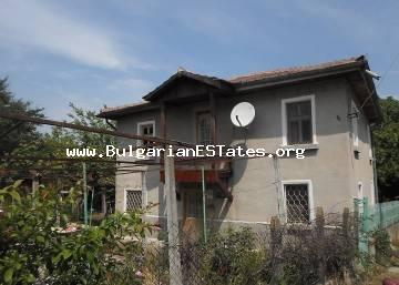 Inexpensive for sale is a large house in the village of Drachevo, only 25 km from the city of Burgas and the sea.