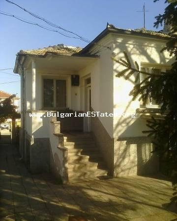 An affordable massive one-storey house is for sale in the village of Ravnets, only 20 km from the city of Bourgas and the sea.