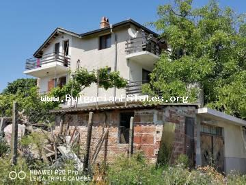Three-storey house for sale in the village of Ravadinovo, 6 km from the town of Sozopol and only 3 km from the beach.