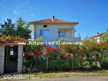 For sale is a massive two-storey house in the town of Chernomorets, 500 m from the beach.