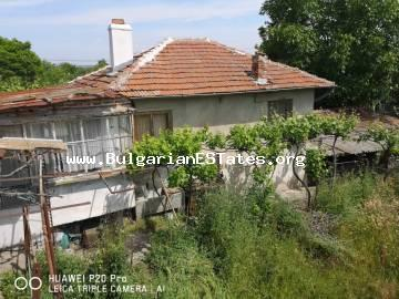 We offer for sale two houses for the price of one in the village of Diulevo, 25 km from the city of Burgas and the sea.