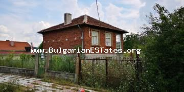 Two-storey house is offered for sale in the village of Novo Panicharevo, 17 km from town of Primorsko and the sea.