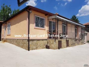 For sale is a new spacious one-storey house in the town of Bulgarovo, 18 km from the regional centre of Bourgas and 12 km from the town of Aytos.
