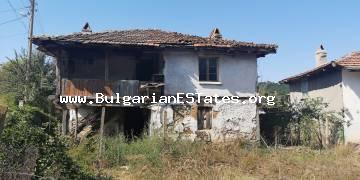 A two storey house is for sale in the village of Golyamo Bukovo, 50 km from the city of Bourgas and the sea.