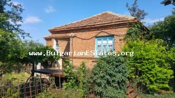 Two wonderful houses with huge yard some 30min driving from Burgas.