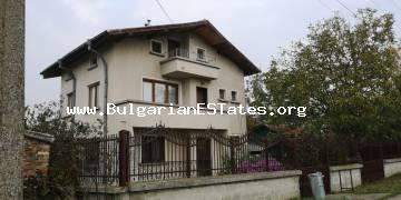 Buy a large three-storey house in the village of Trastikovo, 15 km from the city of Burgas and the sea.