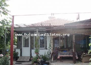 House is for sale in the village of Karanovo, 8 km from the town of Aytos and 30 km from the city of Burgas.