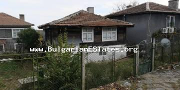 Original Strandzha-style house is for sale in the village of Gramatikovo, 35 km from the town of Tsarevo and the sea.
