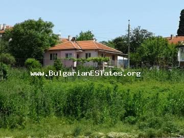 Renovated two-storey house overlooking the Lake Burgas (Vaya) in the Gorno Ezerovo, just 10 km from the centre of Burgas!!!
