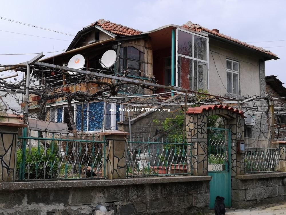 House for sale in the village of Exarkh Antimovo, 55 km from the city of Bugas and the sea.