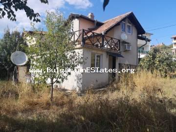 We offer for sale affordably a three-level villa in Cholakova cheshmа, Kocharitsa.