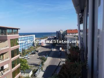 A large, luxurious studio with sea view for sale in the town of Pomorie, only 50 m from the beach and 200 m from the city centre.