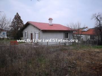 TOP OFFER. We sell an affordable one-storey house in the village of Drachevo, only 25 km from the city of Burgas and the sea, Bulgaria.