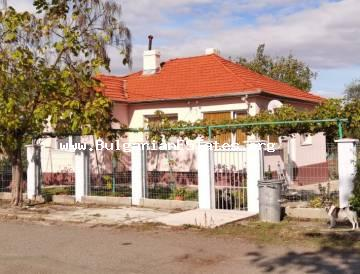 One-storey renovated house for sale in the village of Dyulevo, 25 km from the city of Burgas and the sea.