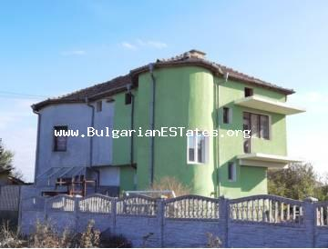 We offer for sale a new house in which no one has lived so far! The house is waiting for its first owners! In the village of Trastikovo, just 15 km from the city of Burgas and the sea.